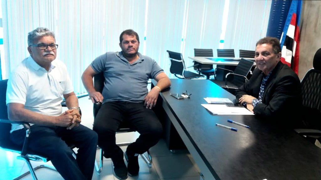 Cleomar Tema continua recebendo adesões pela disputa para a presidência da FAMEM