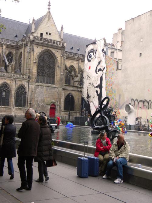 paris meydan kültür sanat kendin dik