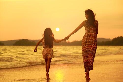 Sobreproteger a nuestros hijos limita su libertad