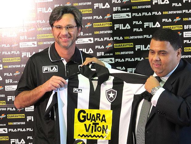 Caio Junior é apresentado no Botafogo (Foto: Diego Rodrigues / GLOBOESPORTE.COM)