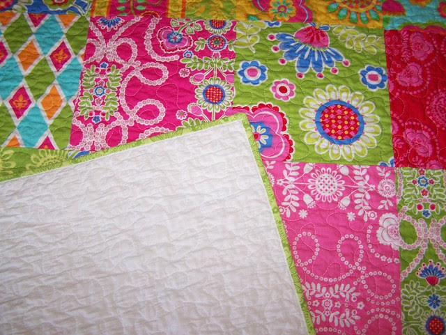 HAPPY SCRAPPY Ooh La La Twin Quilt