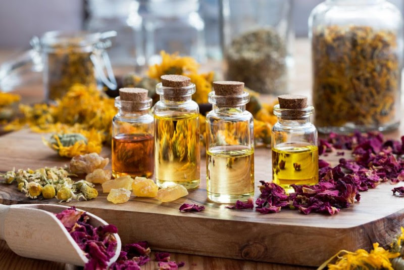 These 10 Essential Oils Can Kill Persistent Lyme Disease