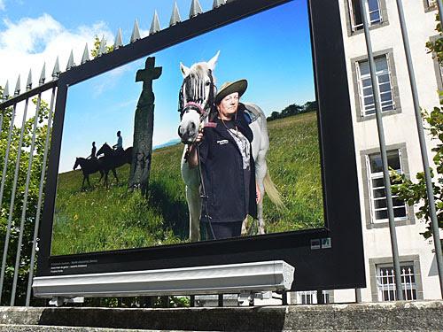 cheval et croix.jpg