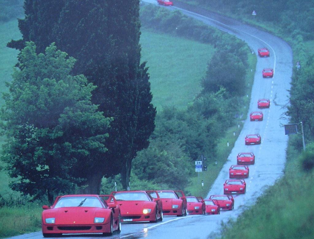 Desfile de Ferraris