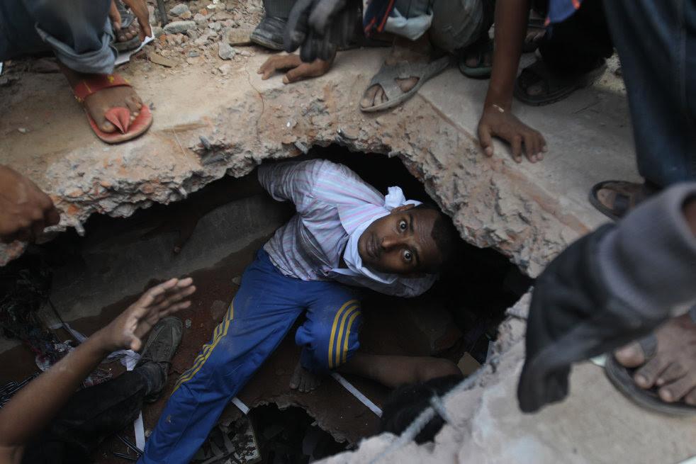 bangladesh_building_collapse_06.jpg