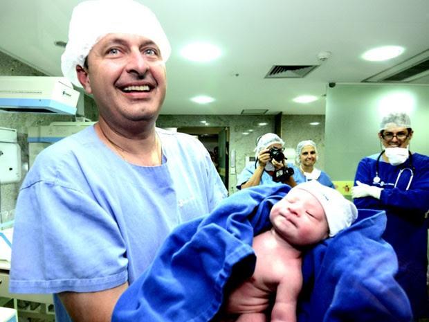 Nasce no Recife quinto filho do governador de PE, Eduardo Campos (Foto: Aluisio Moreira/SEI)