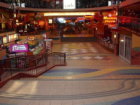 File:Bourbon Street food court, West Edmonton Mall (2005