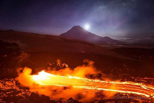 Φωτογραφίες από την καρδιά ενός ηφαιστείου που εκρήγνυται (6)