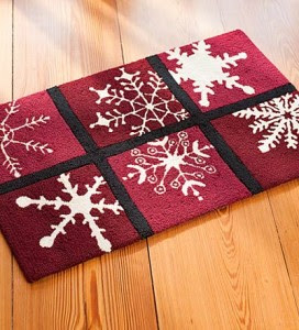 rug 272x300 Holiday Help: Snowflake Rug from Plow & Hearth *Giveaway* (12/8)
