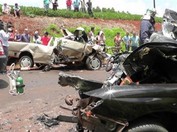 Duas pessoas morreram e duas ficaram feridas no acidente, na PR-486 (Foto: CGN/Arquivo pessoal)