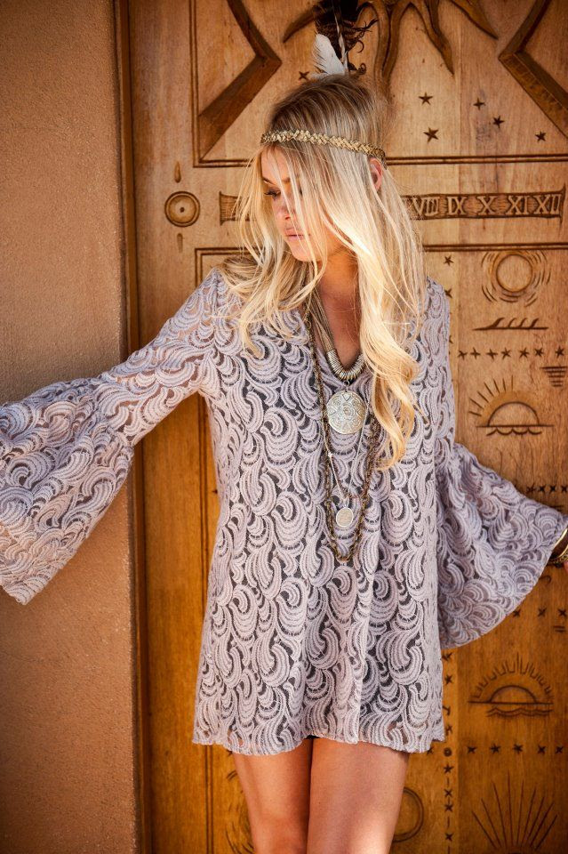 lace. flared sleeve dress. lovely-show me your mumu