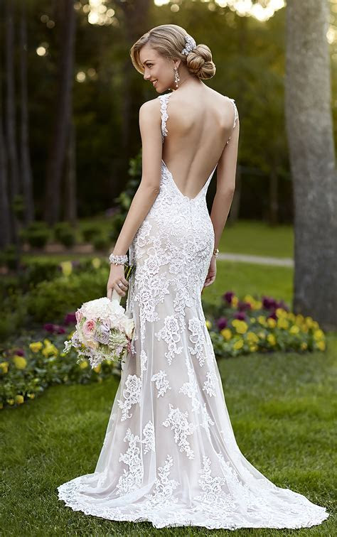 Backless Wedding Dresses   V neck Wedding Gown with Open