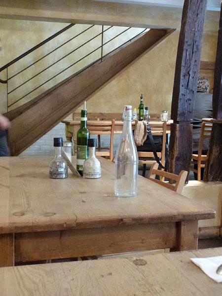 tables du pain quotidien.jpg