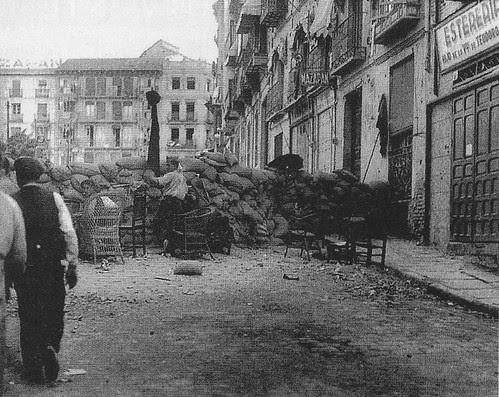 Barricada en Zocodover en pleno asedio al Alcázar de Toledo. Verano de 1936