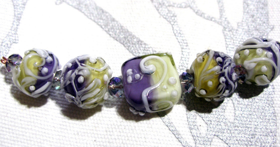 TRELLIS SWIRLS, Lavender Mint  - HandMade LampWork Glass Beads  By Kathleen Robinson-Young (set of 5beads)