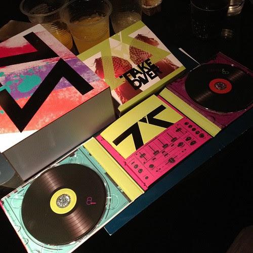 Unboxing Cover Album Mizz Nina