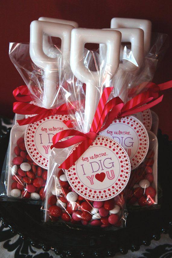 Valentine's Day Label, Tag, Sticker - PRINTABLE - Hey Valentine...I Dig You by Flair Designery