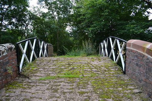 Footbridge 52, Stratford-upon-Avon Canal, Wootton Wawen