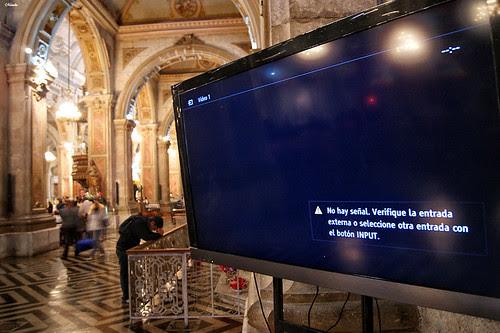 Cuando los LCD aparecen en la catedral. by Alejandro Bonilla