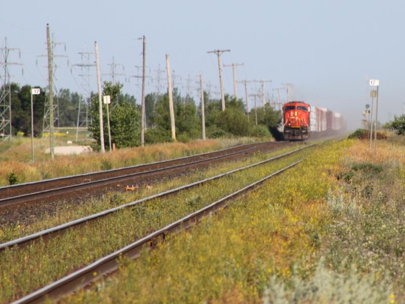 CN 5763 near Diamond