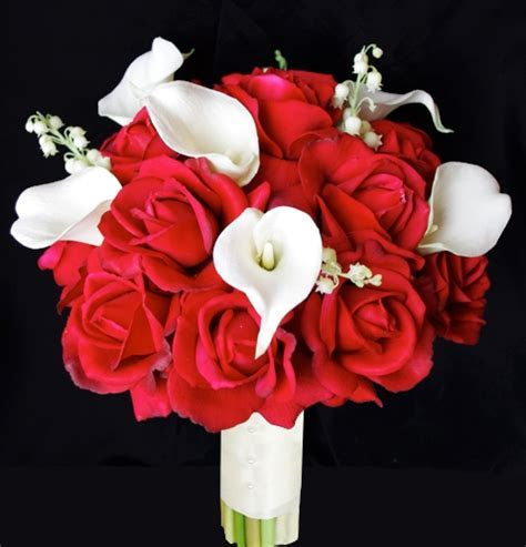 Natural Touch Open Red Roses and Floramatique Bouquet