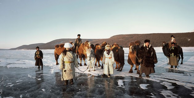 photographs-of-vanishing-tribes-before-they-pass-away-jimmy-nelson-24__880