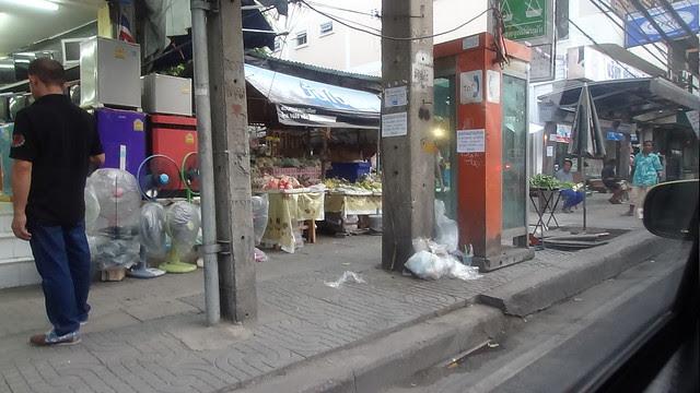 2013-10-12 Scenes de rue Bangkok (1)
