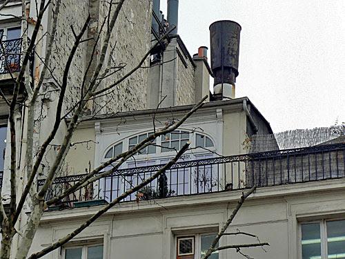 petite maison sur le toit.jpg