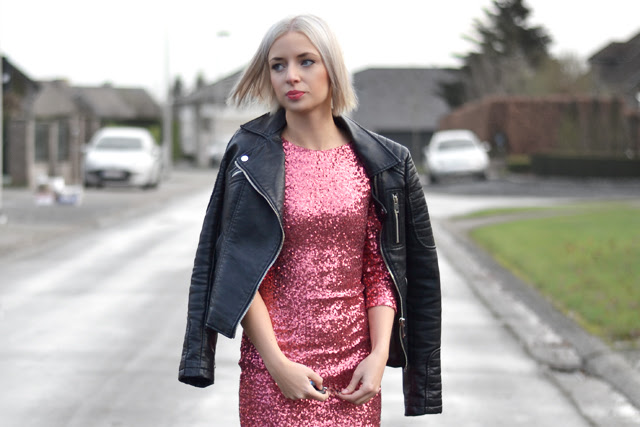 Christmas outfit blogger battle with mag footwear winner. Tfnc sequin red dress party outfit christmas eve what to wear on christmas x-mas xmas holidays new year. Mag footwear winter outfit leather jacket from zara new collection 2014, striped socks from asos. Glitter outfit fashion blogger turn it inside out from belgium belgian blogger mode blogger belgie kerstoutfit inspiration streetstyle MAG mps boots high quality winter boots christmas outfit
