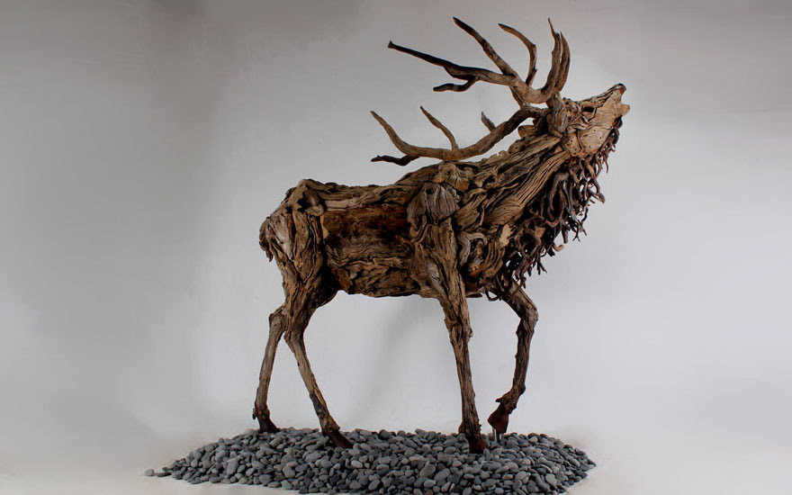 esculturas-criaturas-madera-deriva-james-doran-webb (5)