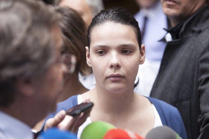 13/06/2013 Llegada De Saida Prieto, Su Madre Y Su Abogado Al Palacio De Justicia