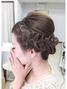 画像付き!自分で簡単にセットする結婚式のお呼ばれ髪型  - ヘアアレンジ 編み込み アップ