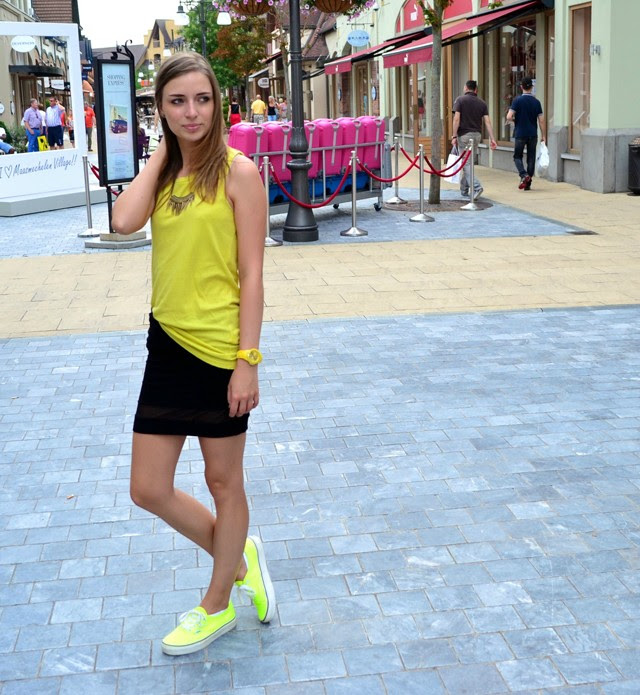 zara yellow black asos mesh panel skirt neon vans ice watch maasmechelen village outfit fashion blogger belgium belgie inspiration sneakers turn it inside out stylight necklace goodiebag