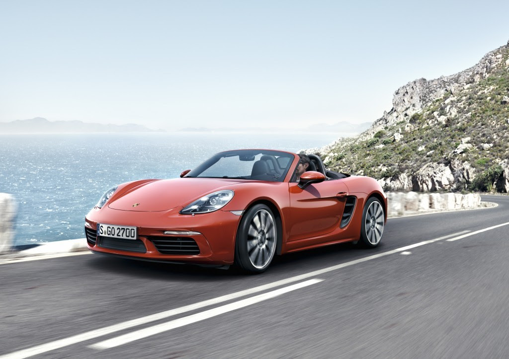 The 2017 Porsche 718 Boxster Steps Out on Its Own
