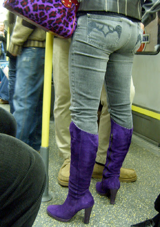 How to wear coloured boots
