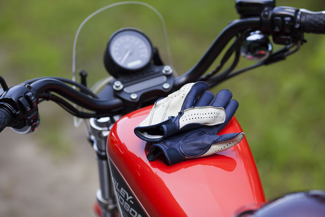 Harley Davidson XL 883R 083