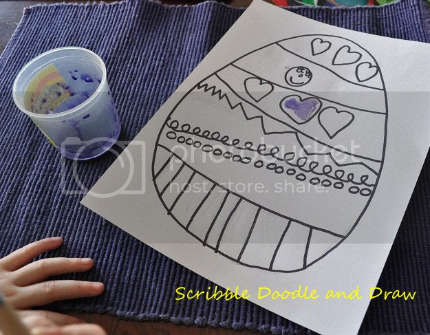 Decorate Easter egg paintings with sharpies