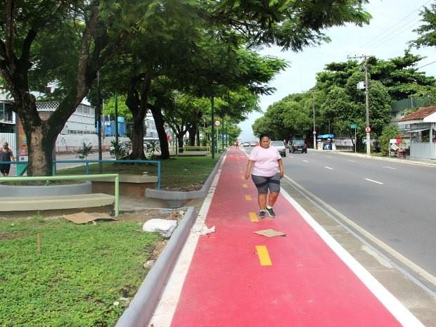 Espaço está sendo usado para caminhadas   (Foto: Suelen Gonçalves/G1 AM)