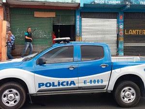 Galpão usado para desmanche de carros é fechado no subúrbio de Salvador. Bahia (Foto: Polícia Civil / Divulgação)