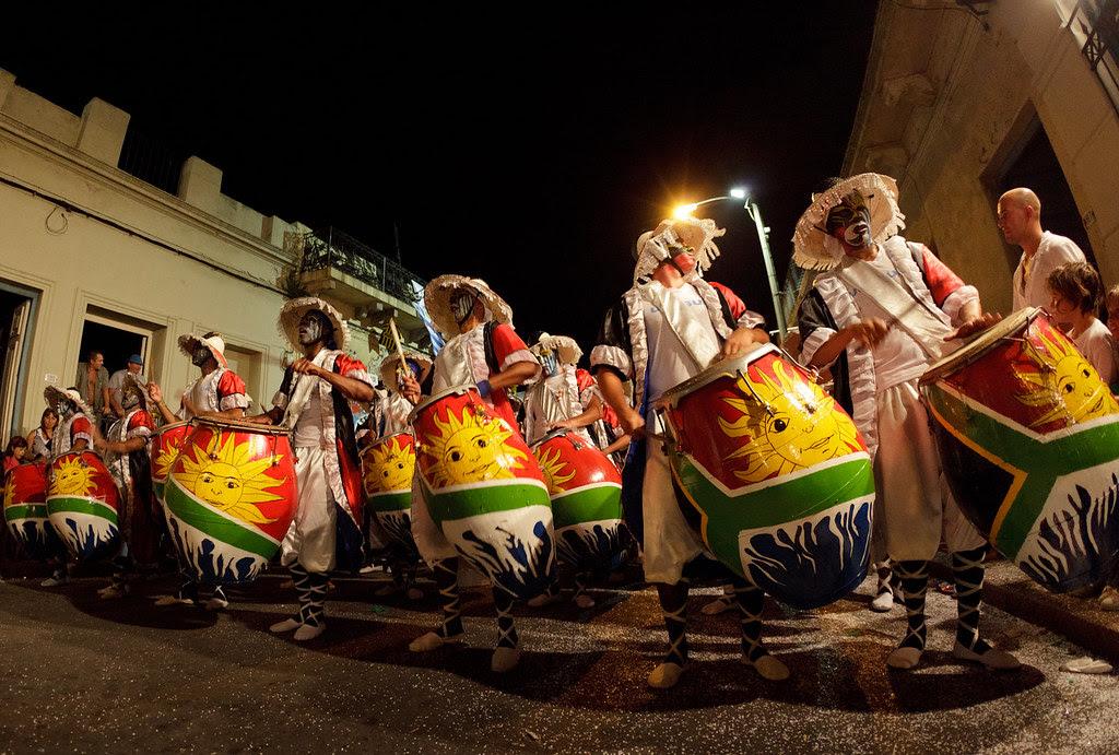 Al compás del tamboril   Las Llamadas   Carnaval 2011   110204-0852-jikatu
