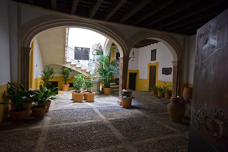 Patio (Palma de Mallorca)