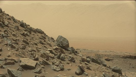 A striking sloping hillside captured by  the Curiosity rover. Pic: NASA/JPL-Caltech/MSSS