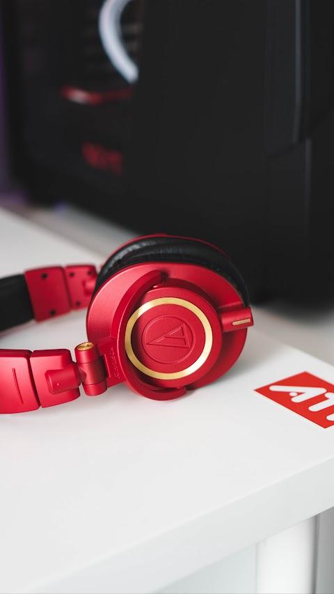 خلفيات ايفون كلاكسي خلفية سماعات رأس حمراء بدقة عالية hd