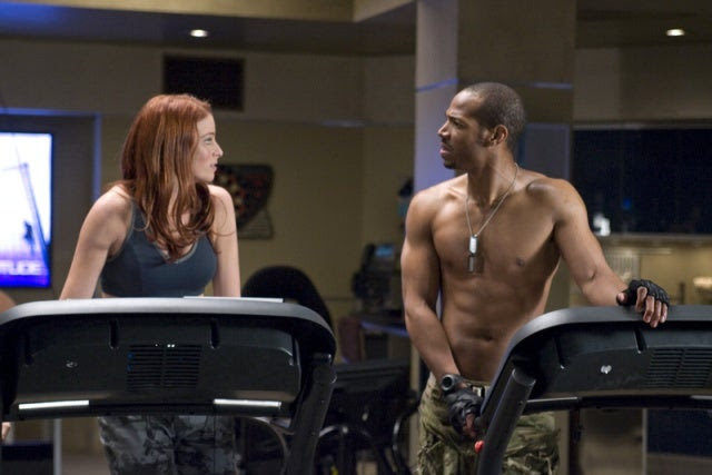 Rachel Nichols as 'Scarlett' & Marlon Wayans as 'Ripcord' in G.I. JOE: THE RISE OF COBRA [click to enlarge]