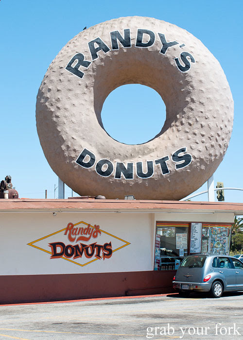 randys donuts inglewood la los angeles california
