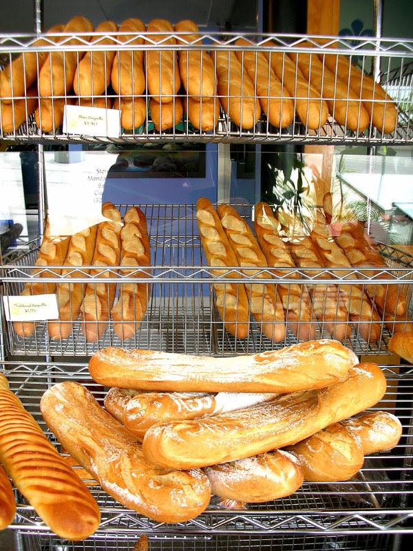 la maison du pain display
