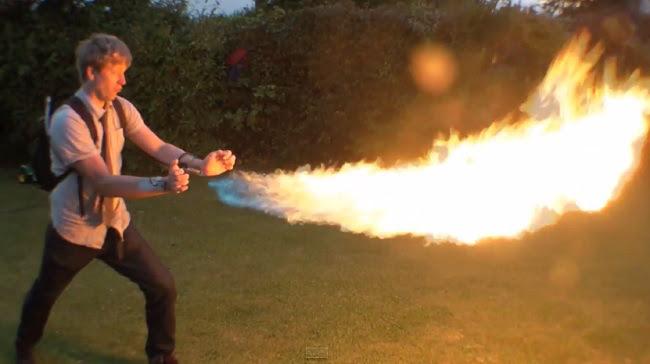 Colin Furze se torna Pyro dos X-men