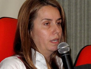 patricia amorim em coletiva, flamengo (Foto: Eduardo Peixoto / Globoesporte.com)