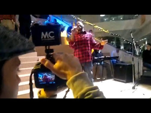 Artist Live Boston capturing video of Lee Wilson Movement at MegaTweetup