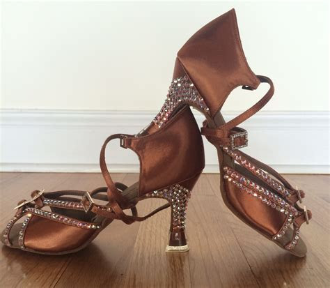 Custom Wedding Dance Shoes   Ballroom Dance Lessons